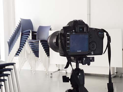 Servicio de fotografía profesional, en este caso en un evento educativo